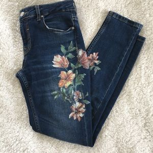 Zara Basic Skinny Jeans With Painted Floral Design